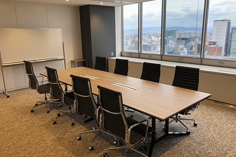 大阪本社会議室